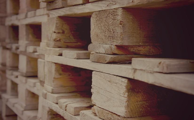 Les différentes sortes de palettes : plastique et bois