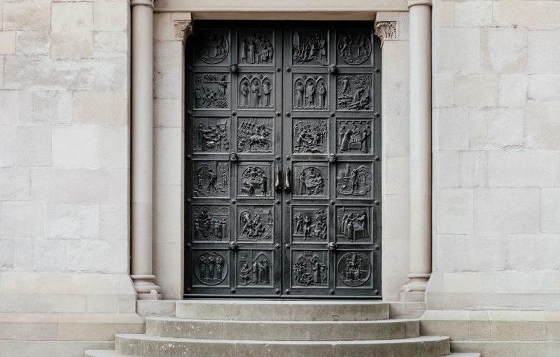 Menton : un problème de porte blindée ?